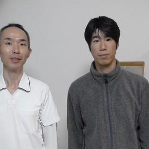 横浜市南区から肩こり腰痛下痢でお越しの朝長さんとあきば院長の写真です。