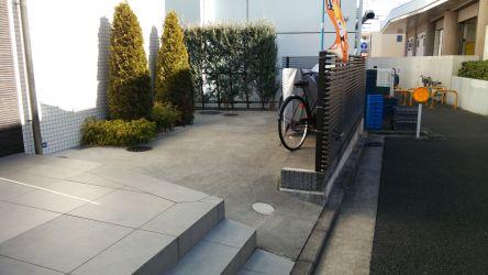 自転車の駐輪場 & バイク置き場